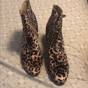 Jaclyn Smith Cheetah Booties Size 10